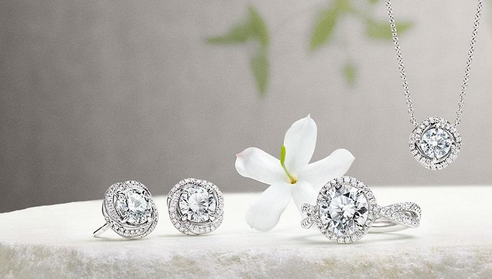 Gemstone Jewelry In Splashing Colors